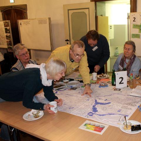 """Eine Arbeitsgruppe im BREsilient-Workshop """"Starkregenvorsorge: Information & Austausch""""."""