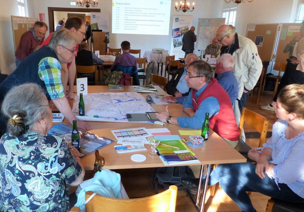 Arbeit in Kleingruppen im 3. Workshop in der Blumenthaler Aue.